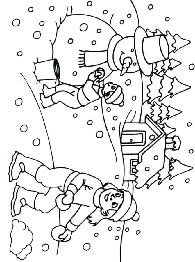 Раскраска дети лепят снеговика зимой